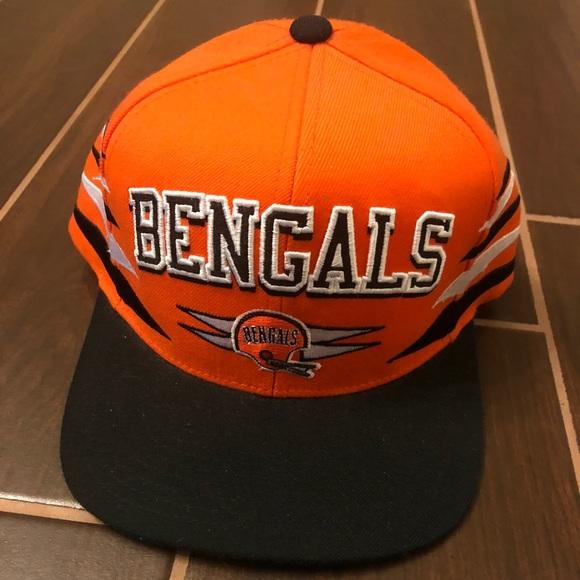 wholesale dealer c0abd b81f6 Cincinnati Bengals Retro Hat. M 5bee5592a5d7c64860171e53. Other Accessories  ...